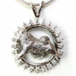 14K White Gold Samoyed Trotting in Brilliant Diamond Circle
